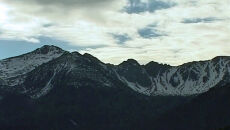 Ostrożnie z górskimi wycieczkami. W Tatrach spadł śnieg