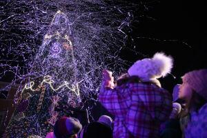Rozbłysły miliony światełek. Warszawa czaruje przed świętami