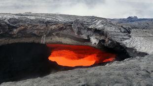 Erupcja wulkanu Kilauea trwa już 31 lat. Lawa zbliża się do miasta Puna